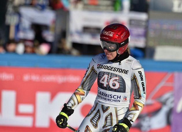 Ester Ledecká v cíli super-G v Garmisch-Partenkirchenu.