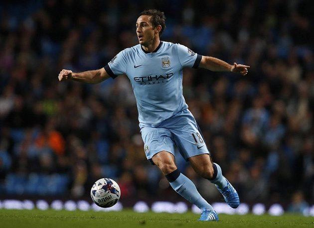 Záložník Manchesteru City během utkání 3. kola Ligového poháru proti Sheffieldu Wednesday.
