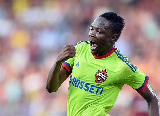 Ahmed Musa z CSKA Moskva se raduje z vyrovnávacího gólu proti Spartě.