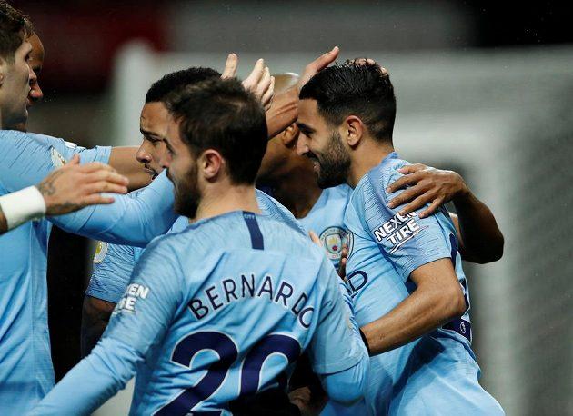 Fotbalisté Manchesteru City potvrdili roli favorita