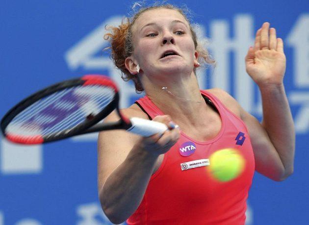 Česká tenistka Kateřina Siniaková zabojuje v Šen-čenu o svůj premiérový titul na okruhu WTA.