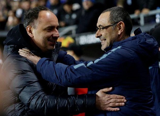 Trenér Slavie Jindřich Trpišovský a jeho protějšek z Chelsea Maurizio Sarri po utkání Evropské ligy.