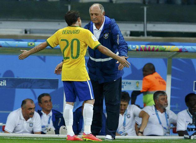 Trenére, co máme dělat? jako by se ptal Bernard brazilského kouče Luize Felipe Scolariho během přestřelky v semifinále MS s Německem.