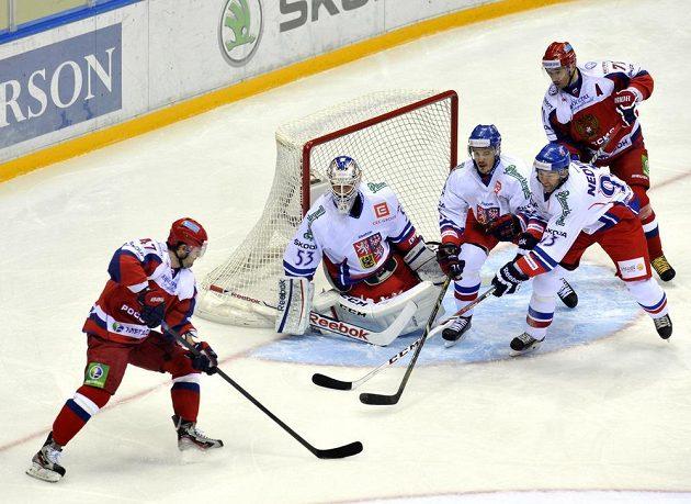 Český tým se v první polovině zápasu s Ruskem pořádně zapotil.