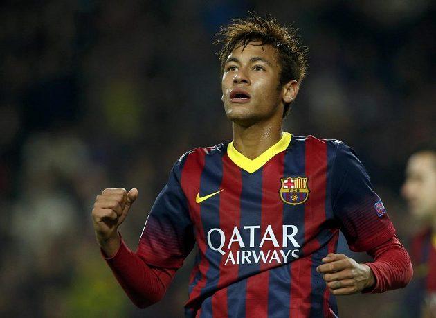 Kanonýr Barcelony Neymar slaví hattrick v utkání Ligy mistrů proti Celtiku Glasgow.