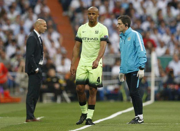 Stoper Manchesteru City Vincent Kompany musel ze zápasu s Realem odstoupit kvůli zranění už po devíti minutách hry.