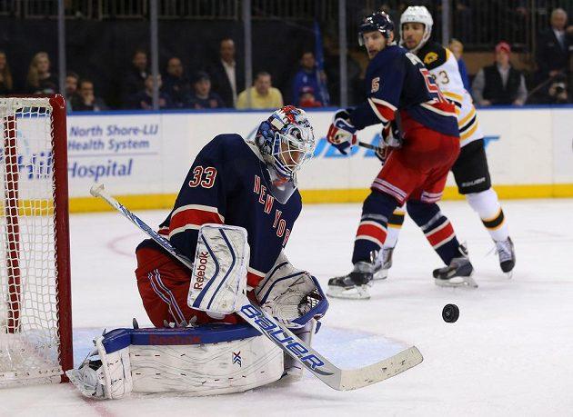 Aktuální jedničkou Rangers během Ludqvistovy rekonvalescence je Cam Talbot.