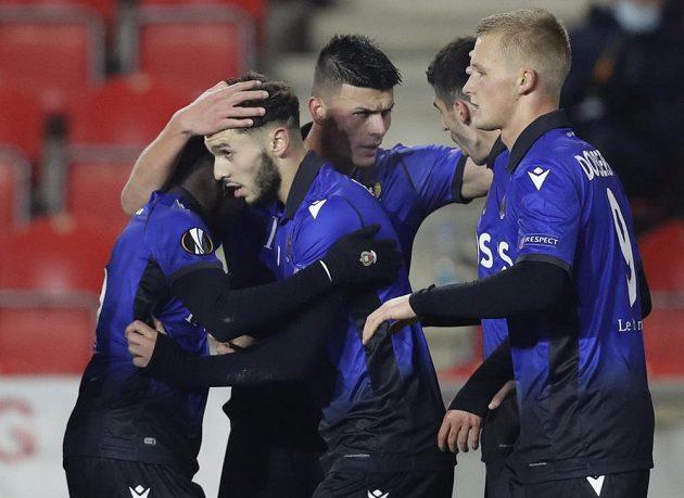 Fotbalisté Nice se radují z branky