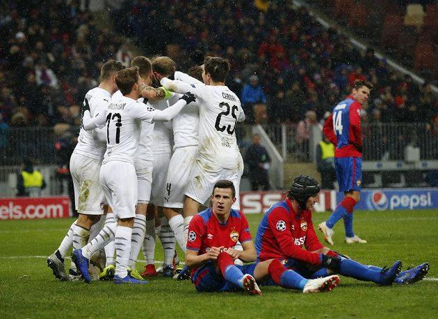 Radost v plzeňském táboře poté, co záložník Roman Procházka vyrovnal stav utkání Ligy mistrů s CSKA Moskva na 1:1. V tu chvíli Západočeši netušili, že nakonec zvítězí 2:1.