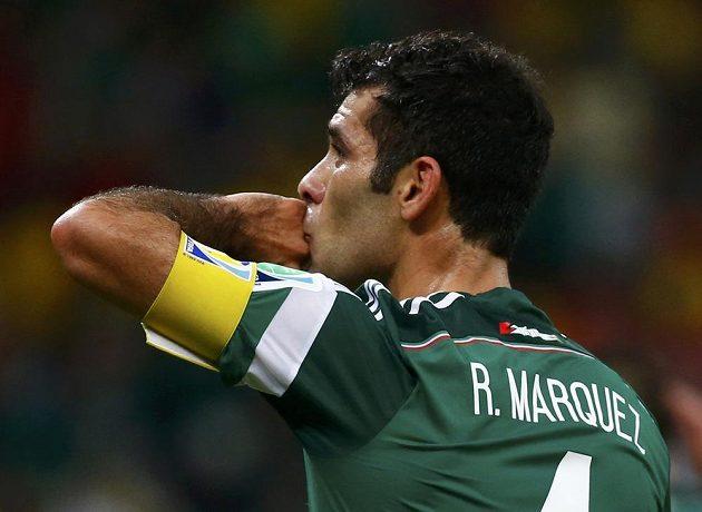 Rafael Marquéz dotáhl mexický výběr opět do osmifinále.