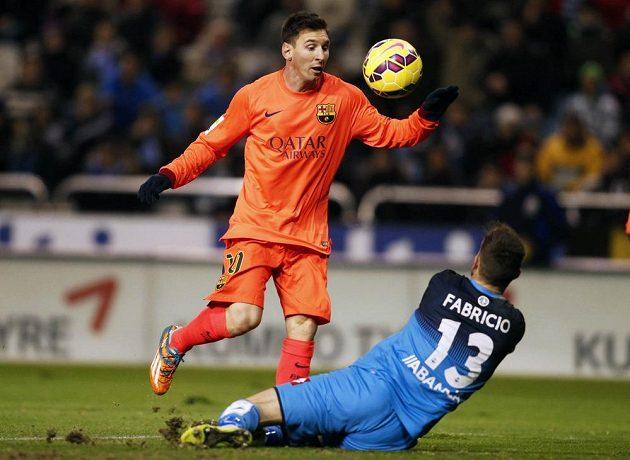 Ani gólman Deportiva La Coruňa Fabri nezabránil Argentinci Messimu k dosažení druhé branky v zápase.