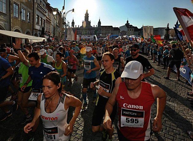 Českobudějovický půlmaratón se běžel v hodně parném počasí.