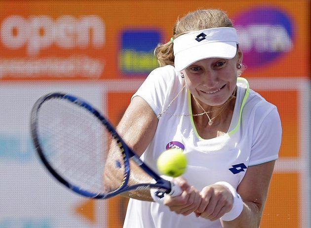 Jekatěrina Makarovová z Ruska v utkání s Petrou Kvitovou na turnaji v Miami.
