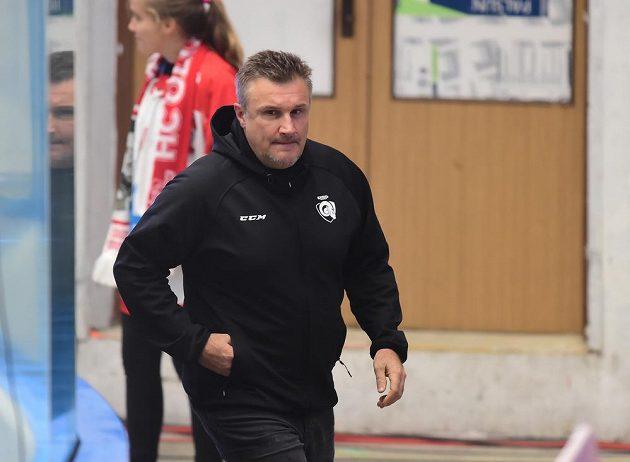 Dosavadní asistent zlínského trenéra Martin Hamrlík, který převzal tým po rezignaci kouče Roberta Svobody, před začátkem zápasu.