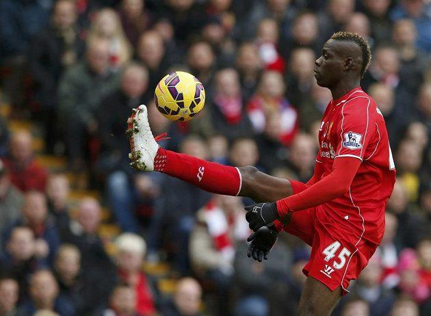 Liverpoolský Mario Balotelli se proti Chelsea neprosadil.