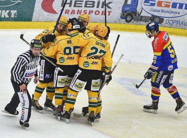 Radost vsetínských hokejistů v Českých Budějovicích.