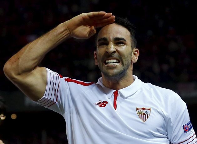 Obránce Sevilly Adil Rami rozhodl o postupu dalšího španělského týmu mezi osmičku nejlepších v Evropské lize.