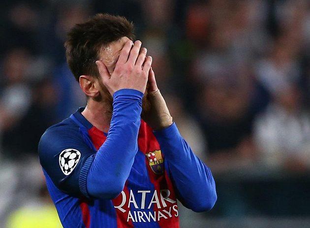 Barcelonský Lionel Messi neskrýval během čtvrtfinále Ligy mistrů na hřišti Juventusu zklamání.
