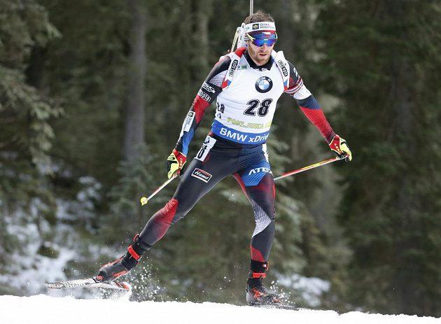 Český biatlonista Michal Šlesingr během vytrvalostního závodu Světového poháru v Pokljuce.
