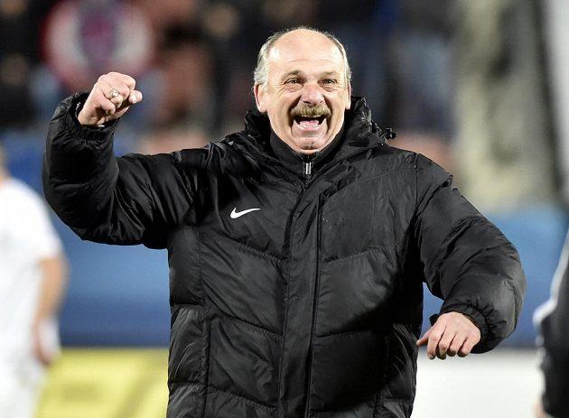 Trenér Slovácka Stanislav Levý se raduje z vítězství.