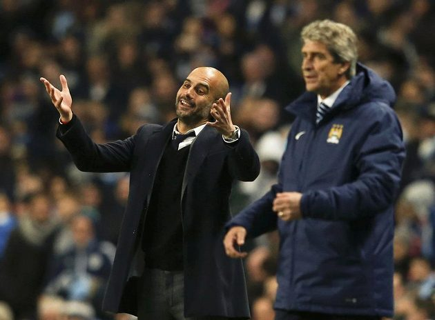 Trenér Pep Guardiola (vlevo) po sezóně vystřídá na lavičce Manchesteru City Manuela Pellegriniho.