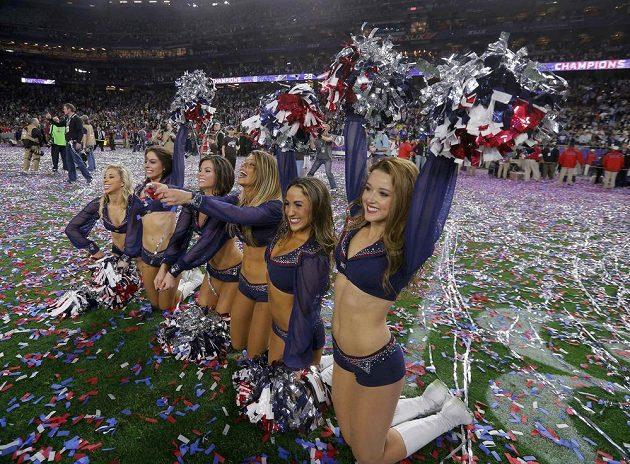 K Super Bowlu NFL neodmyslitelně patří také roztleskávačky.