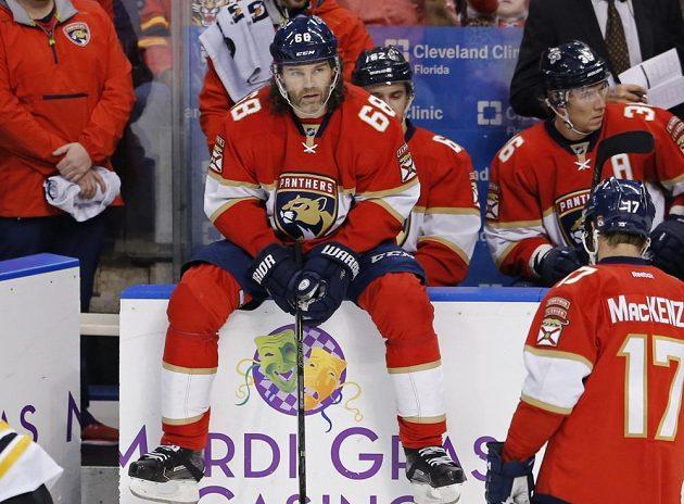 Útočník Floridy Jaromír Jágr zaznamenal v duelu proti Bostonu asistenci, díky níž se osamostatnil na druhé příčce historického bodování NHL.