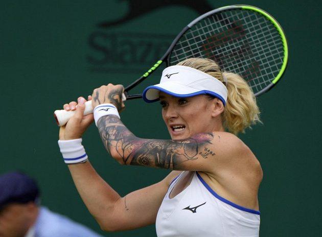 Česká tenistka Tereza Martincová vrací úder v úvodním kole Wimbledonu.