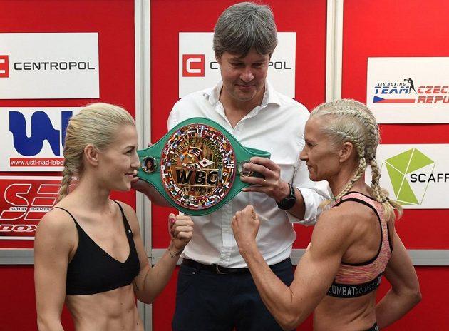 Česká boxerka Fabiana Bytyqi v Ústí nad Labem získala titul mistryně světa organizace WBC v lehké minimuší váhové kategorii,porazila Britku Denise Castleovou na body.
