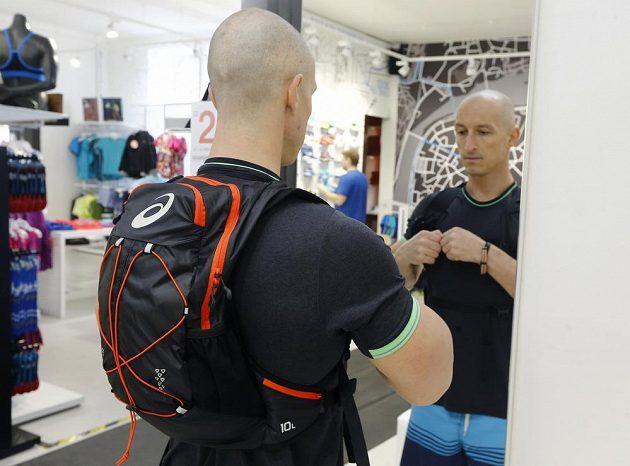 Asics Lightweight Running Backpack: Ďáblův pomahač.