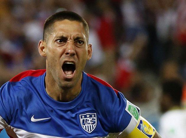 Americký útočník Clint Dempsey má obrovskou radost. Ghaně vstřelil gól po několika sekundách hry.