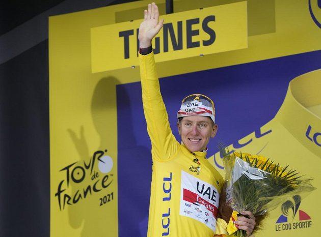 Slovinský Tadej Pogačar - držitel žlutého trikotu Tour de France.