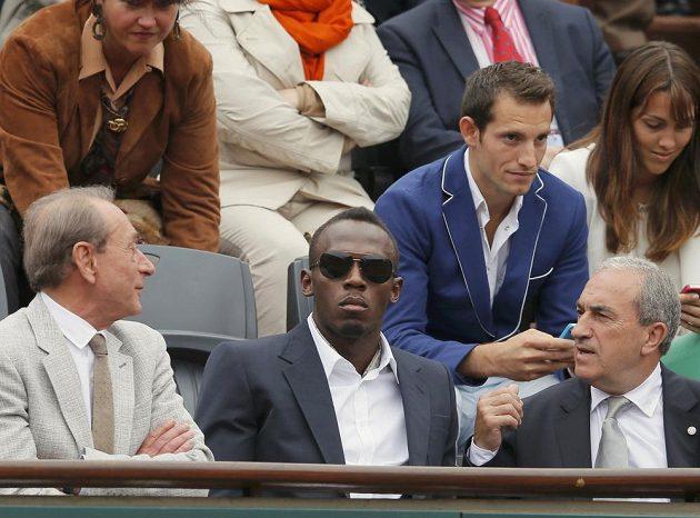 Finále French Open si nenechal ujít ani jamajský sprinter Usain Bolt (uprostřed).