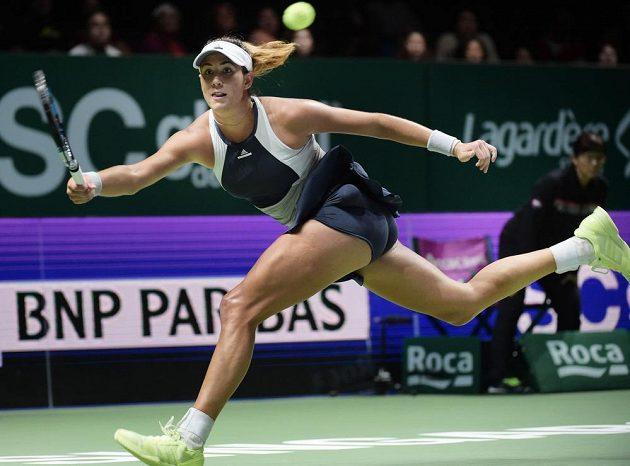 Španělská tenistka Garbiňe Muguruzaová v zápase s Petrou Kvitovou na Turnaji mistryň v Singapuru.