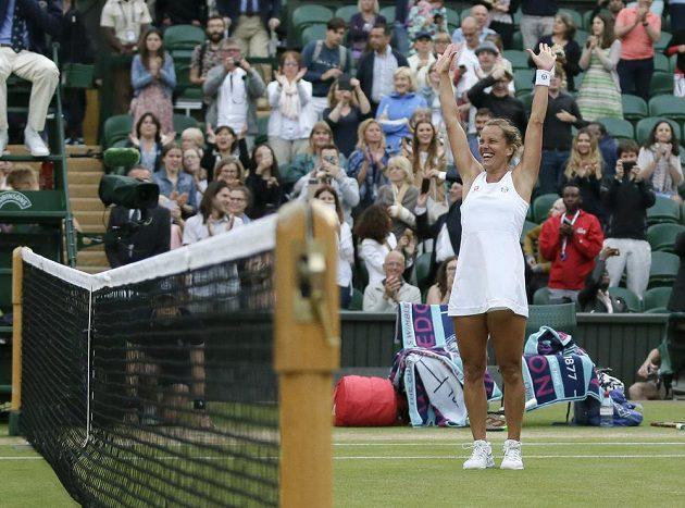 Barbora Strýcová jásá, dočkala se triumfu ve Wimbledonu