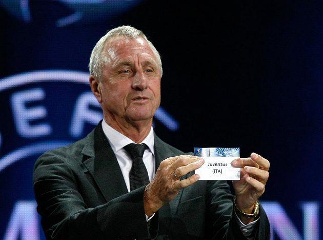 Johan Cruyff během losu Ligy mistrů v roce 2013.
