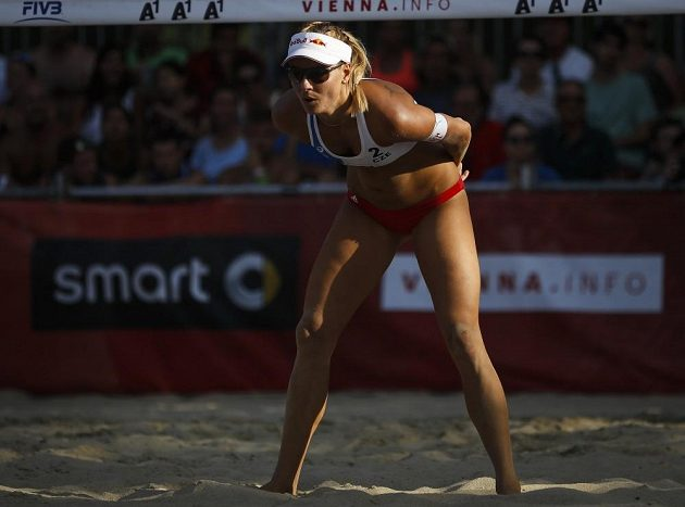 Markéta Nausch Sluková při zápase s Brazilkami v úvodním kole vyřazovací fáze mistrovství světa.