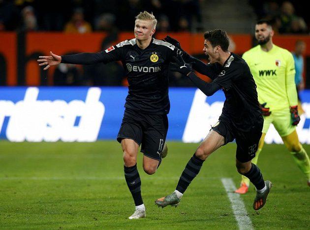 Devatenáctiletý norský útočník Erling Haaland v soutěžní premiéře za Dortmund třikrát překonal brankáře Tomáše Koubka.