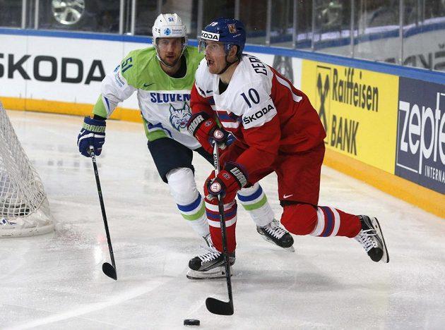 Roman Červenka (vpravo) před Mitjou Robarem ze Slovinska.