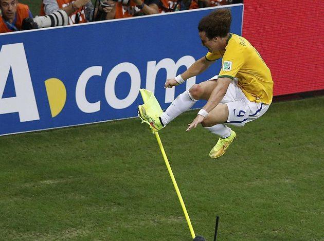 David Luiz pojišťoval brazilský náskok a jásal.