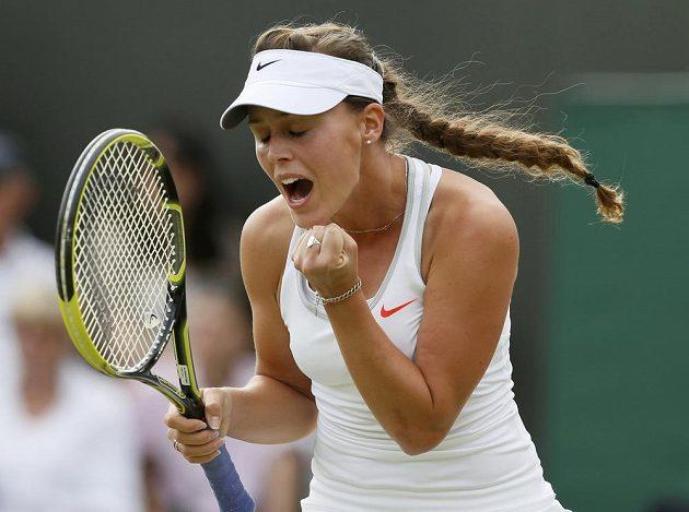 Mladá portugalská tenistka Michelle Larcherová De Britová má k radosti pádný důvod. Ve Wimbledonu se postarala o prvotřídní senzaci, na její raketě zůstala ruská favoritka Maria Šarapovová.