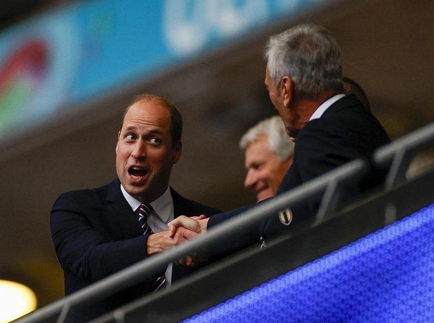 Prince William před finále ve Wembley.