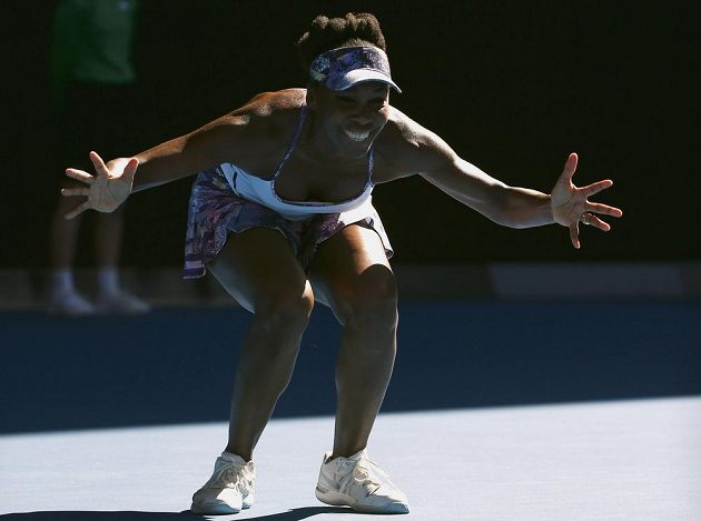 Venus Williamsová slaví postup do finále.