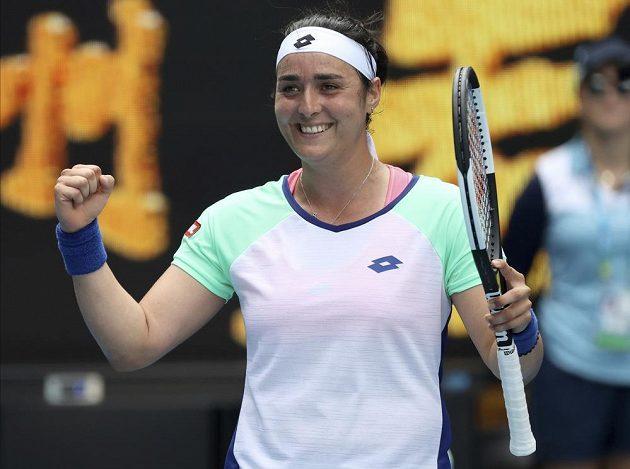 Tunisanka Jabeurová se raduje z postupu do čtvrtfinále AO
