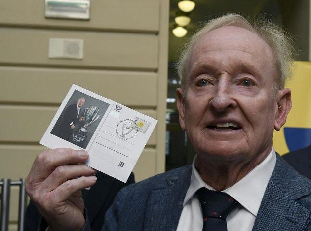 Bývalý australský tenista Rod Laver představil korespondenční lístek se svým portrétem.