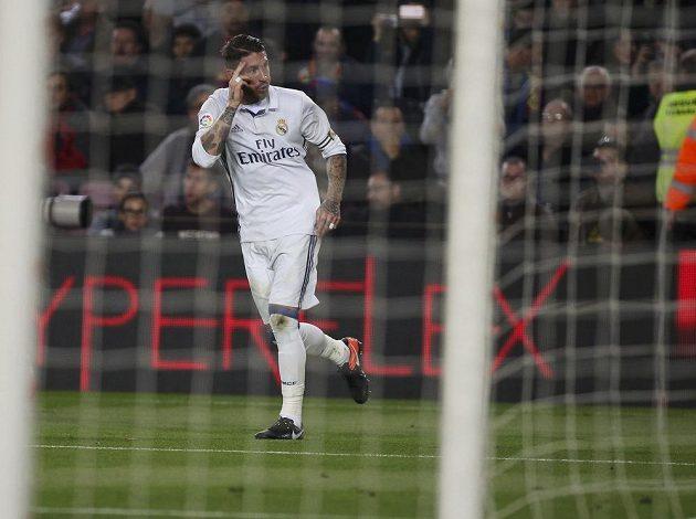 Sergio Ramos z Realu jásá po vyrovnávací brance proti Barceloně.
