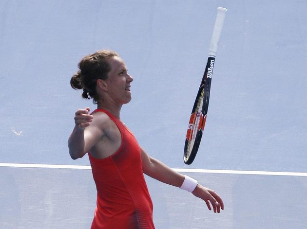Česká tenistka Barbora Strýcová na Polku Agnieszku Radwaňskou v semifinále turnaje v Sydney nestačila.
