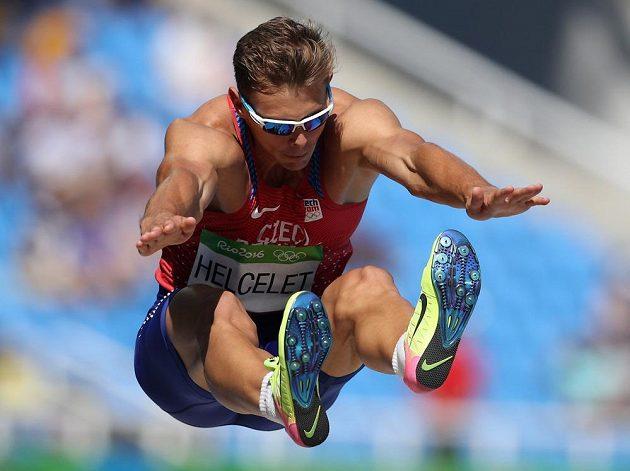 Desetibojař Adam Helcelet skočil 735 cm.