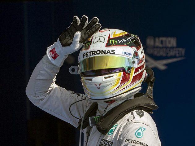 Brit Lewis Hamilton kraloval v kvalifikaci i v Belgii.