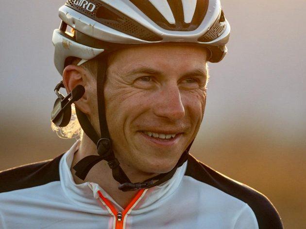 Daniel Polman zvládá trať RAAM s úsměvem.